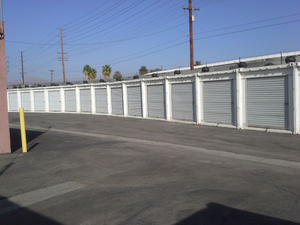 Extra Storage - Riverside Mini 2680 East La Cadena Drive Riverside, CA - Photo 4