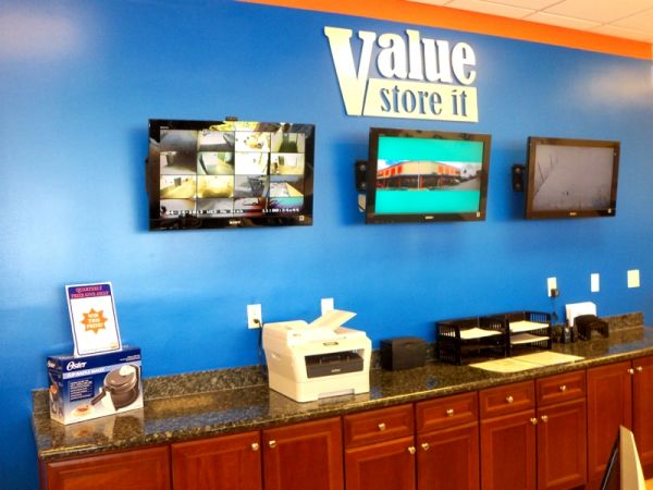 Value Store It - Fort Lauderdale 1124 West Sunrise Boulevard Fort Lauderdale, FL - Photo 8