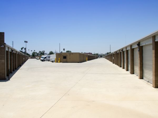 E Street Self Storage 1723 South E Street San Bernardino, CA - Photo 11