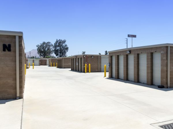 E Street Self Storage 1723 South E Street San Bernardino, CA - Photo 12
