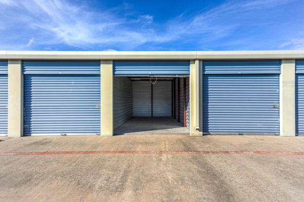 Devon Self Storage - US Highway 75 1700 U.s. 75 Sherman, TX - Photo 5
