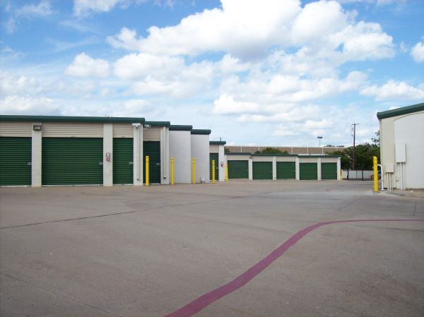 Devon Self Storage - Loy Lake 1720 Loy Lake Road Sherman, TX - Photo 2