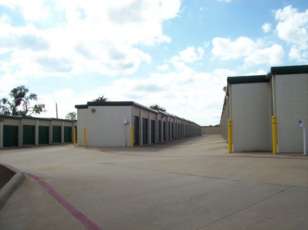 Devon Self Storage - Loy Lake 1720 Loy Lake Road Sherman, TX - Photo 3