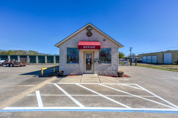 Devon Self Storage - Wesley 8123 Wesley Street Greenville, TX - Photo 0