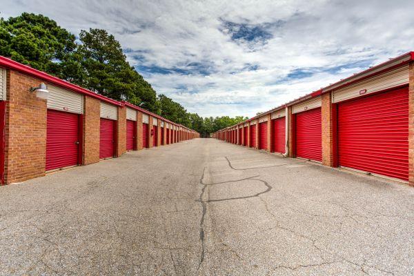 Devon Self Storage - Shelby 6140 East Shelby Drive Memphis, TN - Photo 4
