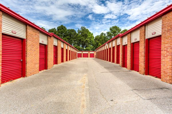 Devon Self Storage - Shelby 6140 East Shelby Drive Memphis, TN - Photo 6