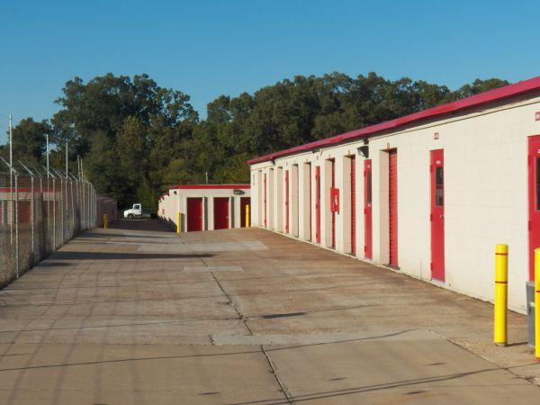 Devon Self Storage - 4705 Winchester 4705 Winchester Road Memphis, TN - Photo 2