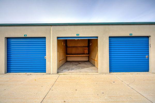 Devon Self Storage - Milwaukee 2922 South 5Th Court Milwaukee, WI - Photo 4