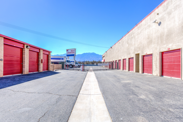 Devon Self Storage - Thousand Palms 72500 Varner Road Thousand Palms, CA - Photo 6