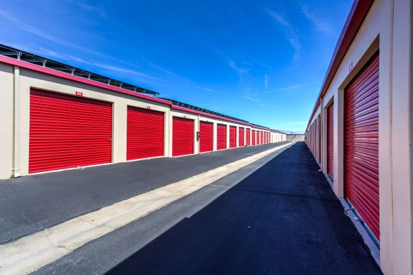 Devon Self Storage - Ramon 67650 Ramon Road Cathedral City, CA - Photo 3