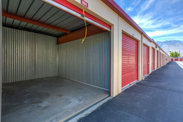 Devon Self Storage - Ramon 67650 Ramon Road Cathedral City, CA - Photo 4