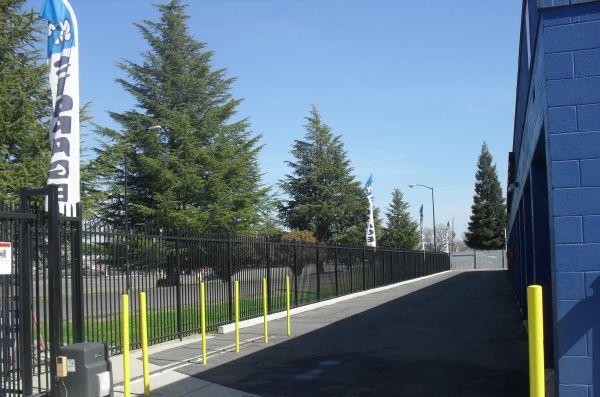 Locktite Storage Center 1250 Scales Avenue Marysville, CA - Photo 3