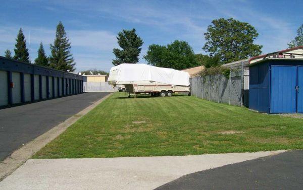 Locktite Storage Center 1250 Scales Avenue Marysville, CA - Photo 4
