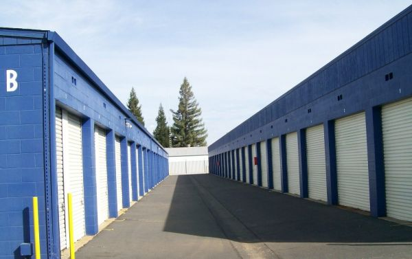 Locktite Storage Center 1250 Scales Avenue Marysville, CA - Photo 2