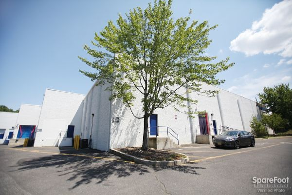 American Self Storage - Aberdeen/Cliffwood 268 Cliffwood Avenue Aberdeen Township, NJ - Photo 3