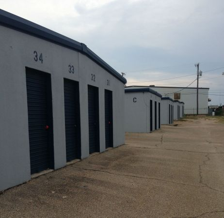 254-Storage 101 308 North Industrial Drive Waco, TX - Photo 1