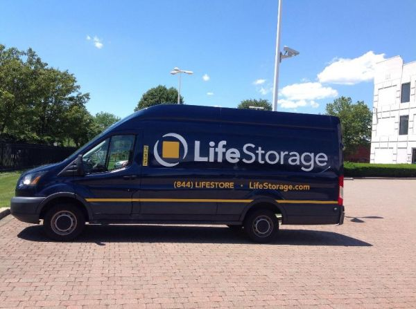 Life Storage - Farmingdale - Executive Boulevard 1 Executive Boulevard Farmingdale, NY - Photo 4