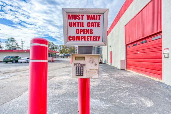 Devon Self Storage - Poplar Ave. 2700 Poplar Ave Memphis, TN - Photo 4