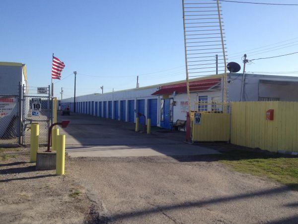 TCB Self Storage 2415 East Caesar Avenue Kingsville, TX - Photo 7