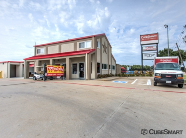 CubeSmart Self Storage - Dallas - 17613 Coit Rd 17613 Coit Rd Dallas, TX - Photo 0