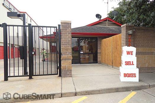 CubeSmart Self Storage - Houston - 7939 Westheimer Rd 7939 Westheimer Rd Houston, TX - Photo 4