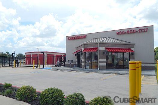 CubeSmart Self Storage - Pearland - 8206 Broadway Street 8206 Broadway St Pearland, TX - Photo 4