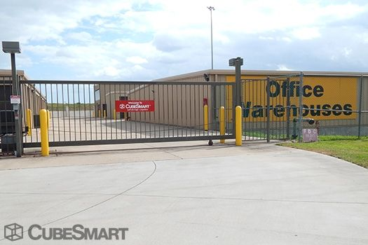 CubeSmart Self Storage - Pearland - 3045 Business Center Drive 3045 Business Center Drive Pearland, TX - Photo 5