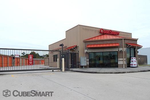 CubeSmart Self Storage - Humble - 7707 North Sam Houston Parkway East 7707 North Sam Houston Parkway East Humble, TX - Photo 4