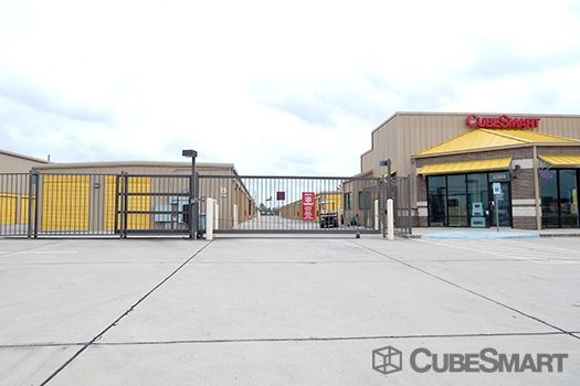 CubeSmart Self Storage - Houston - 12955 South Fwy 12955 South Fwy Houston, TX - Photo 4