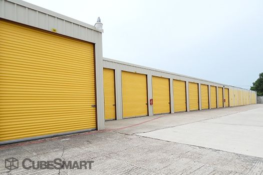CubeSmart Self Storage - Houston - 10030 Blackhawk Boulevard 10030 Blackhawk Boulevard Houston, TX - Photo 4