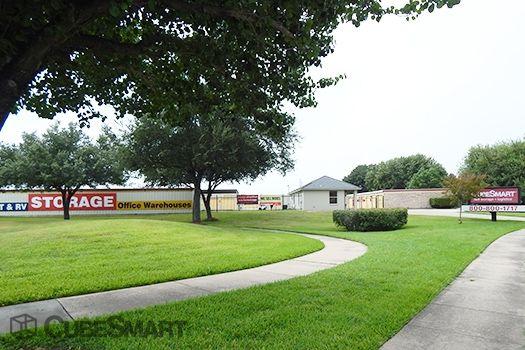 CubeSmart Self Storage - Houston - 10030 Blackhawk Boulevard 10030 Blackhawk Boulevard Houston, TX - Photo 8