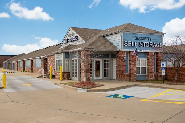 Security Self Storage - College Blvd 13300 College Blvd Lenexa, KS - Photo 0