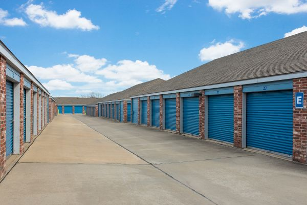 Security Self Storage - College Blvd 13300 College Blvd Lenexa, KS - Photo 1