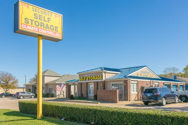 Security Self Storage - South Cooper 3057 South Cooper Street Arlington, TX - Photo 11