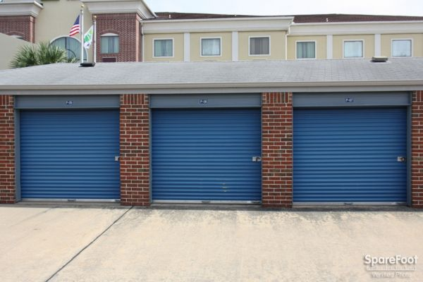 Security Self Storage - South Main - Houston - 8100 South Main Street 8100 South Main Street Houston, TX - Photo 6