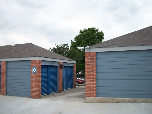 Security Self Storage   Thousand Oaks3425 Thousand Oaks Drive   San  Antonio, TX   Photo ...