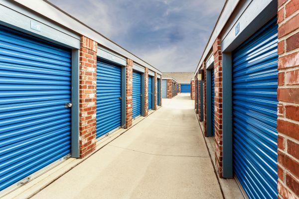 Security Self Storage - Hillside 405 South Hillside Street Wichita, KS - Photo 4