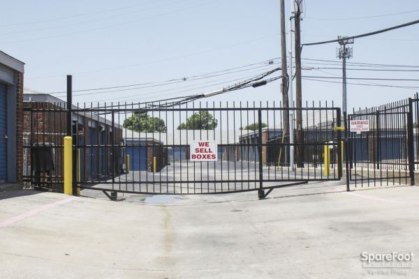 Security Self Storage - Northwest Hwy 3335 West Northwest Highway Dallas, TX - Photo 2