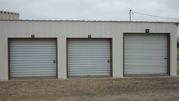 Access Storage- East Country Club 3484 East Country Club Road Salina, KS - Photo 2