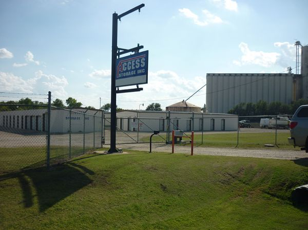 Access Storage- East Country Club 3484 East Country Club Road Salina, KS - Photo 3