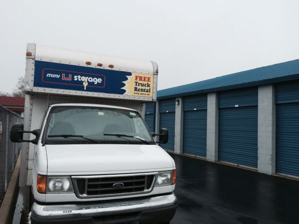 Mini U Storage - Groesbeck II 24040 Groesbeck Hwy Warren, MI - Photo 6