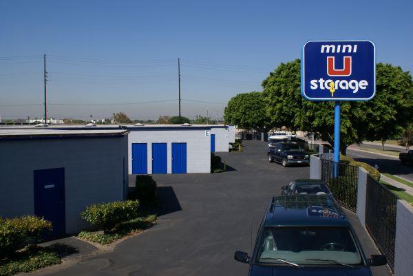 Mini U Storage - Dyer Road 600 W Dyer Rd Santa Ana, CA - Photo 1