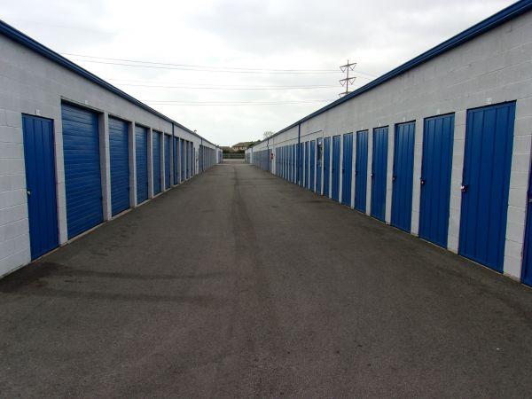 Mini U Storage - Dyer Road 600 W Dyer Rd Santa Ana, CA - Photo 6
