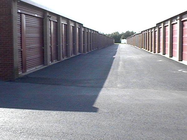 Mini U Storage - Chantilly 13721 Wall Rd Herndon, VA - Photo 2