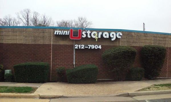 Mini U Storage - Landmark 500 S Pickett St Alexandria, VA - Photo 7