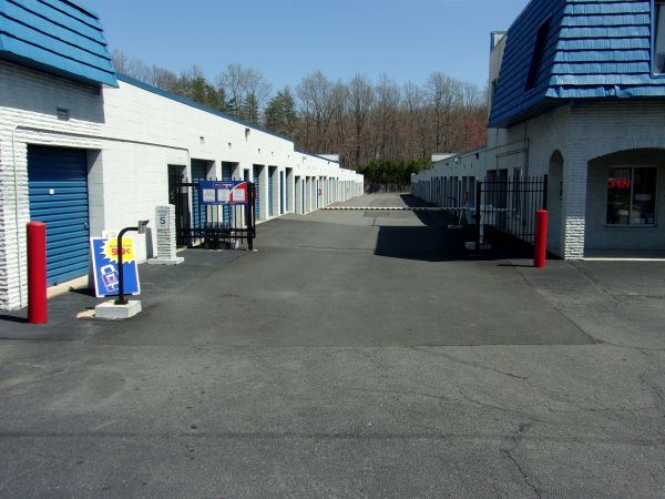 Mini U Storage - Fairfax 10930 Clara Barton Dr Fairfax Station, VA - Photo 4