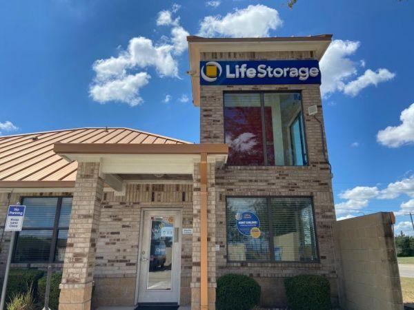 Life Storage - Round Rock - North AW Grimes Boulevard 1515 N Aw Grimes Blvd Round Rock, TX - Photo 0
