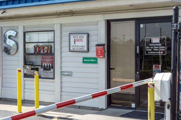 Sentry Self Storage - Tampa, Florida 4901 East Adamo Drive Tampa, FL - Photo 12