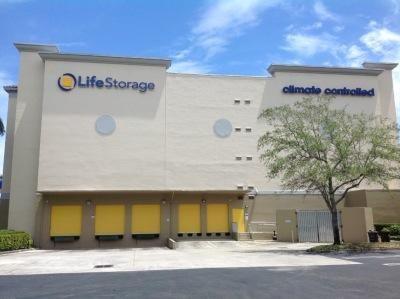Life Storage - West Palm Beach - Mercer Avenue 1401 Mercer Avenue West Palm Beach, FL - Photo 0