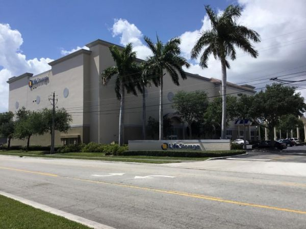 Life Storage - West Palm Beach - Mercer Avenue 1401 Mercer Avenue West Palm Beach, FL - Photo 8